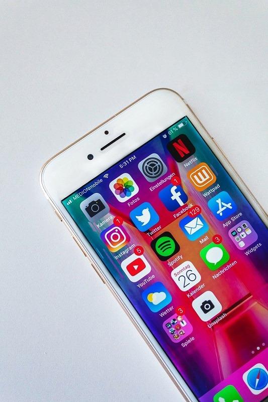 Apps réseaux sociaux et autre sur un iPhone